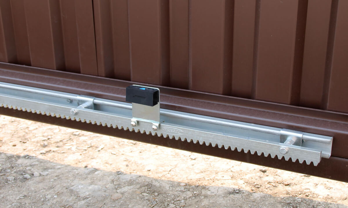Правила монтажа зубчатой рейки для откатных ворот