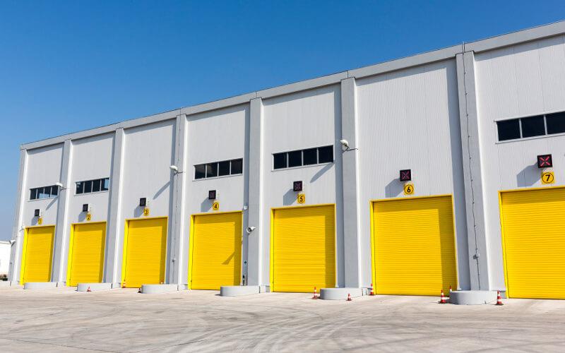 Отличие гаражных и промышленных ворот